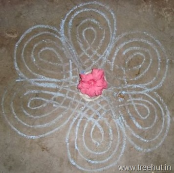 chalk-rangoli-pattern Indian art