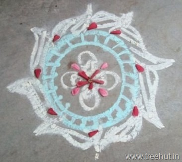 chalk-rangoli-pattern floor art india