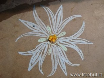 chalk-rangoli-pattern flower floor art