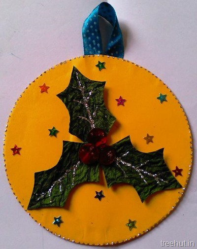 Hanging holly leaves cd christmas adult craft