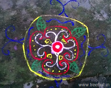rangoli-design-by-la-martiniere-girls-college-students-(5)_thumb